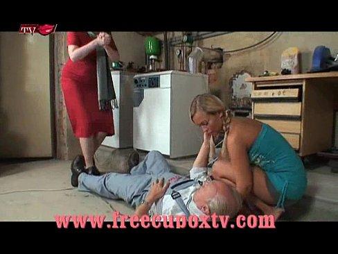 oma orgie film Brutal hardcore lesbische porno
